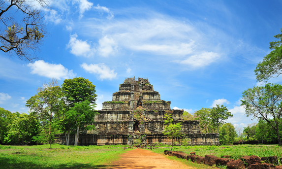 private tour to Koh Ker temples